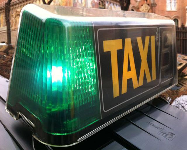 Llum verda per a dues companyies de taxi a Calella. Foto: carlespascual.cat