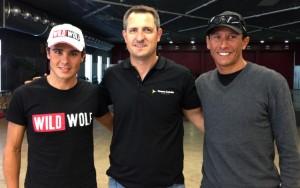 Javier Gómez Noya, Johnny Cadena i Chris McCommarck a la Fàbrica Llobet-Guri. Foto: carlespascual.cat