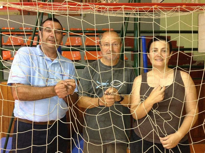 Els presidents, atrapats, rumien si assumeixen la nova situació. David Pagès (handbol), Joan Ferrer (bàsquet), Marta Campeny (atletisme). Foto: Carles Pascual