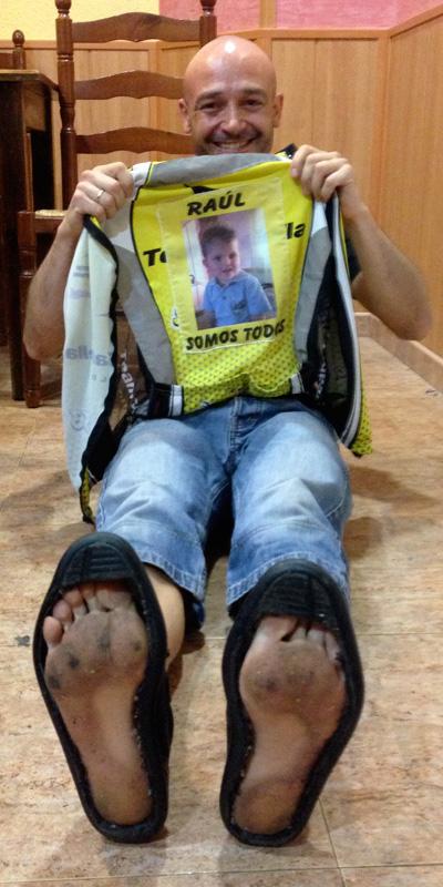 Dani Aranda davant d'un nou repte: 2 ironman en dos dies, un de descalç. Amb una causa solidària, donar a conèixer la síndrome de Dravet. Foto: carlespascual.cat