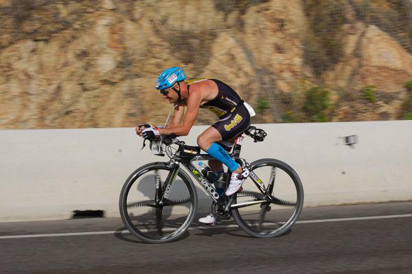 En Dani completant els 180 quilòmetres en bici. Foto: Alfred Lieury