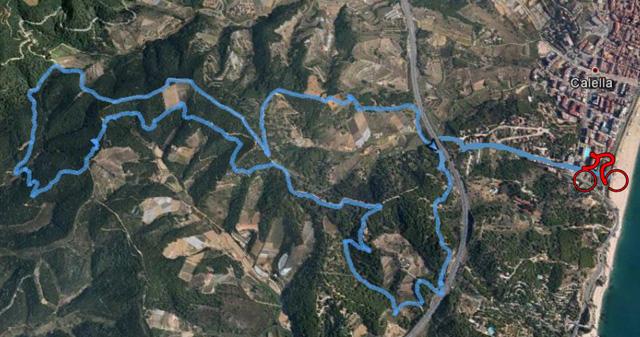 El recorregut de la bicicleta transcorre per camins de muntanya. Foto: Calella Trail Festival