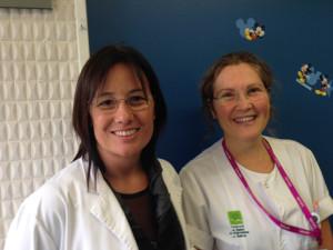 La Rosa Tarré i l'Ester Juanola a la planta de pediatria de l'Hospital Sant Jaume de Calella. Foto: carlespascual.cat
